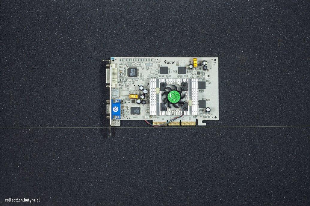 SIS Xabre 600 (Soltek) - white PCB