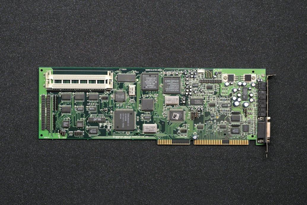 AWE32 CT3900