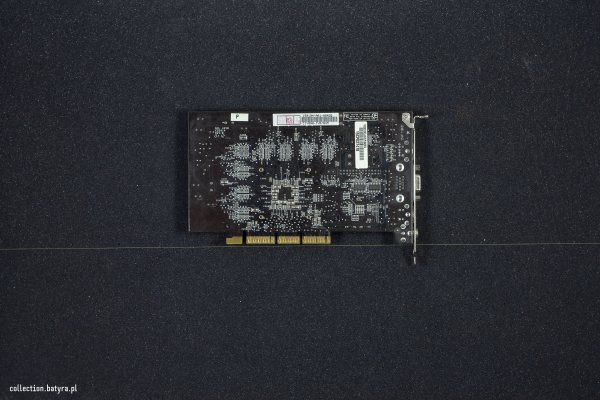 GeForce 3 Asus V8200 Deluxe