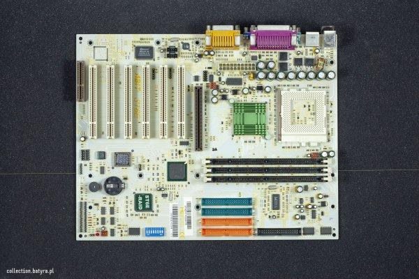 Abit ST6E - Socket 370